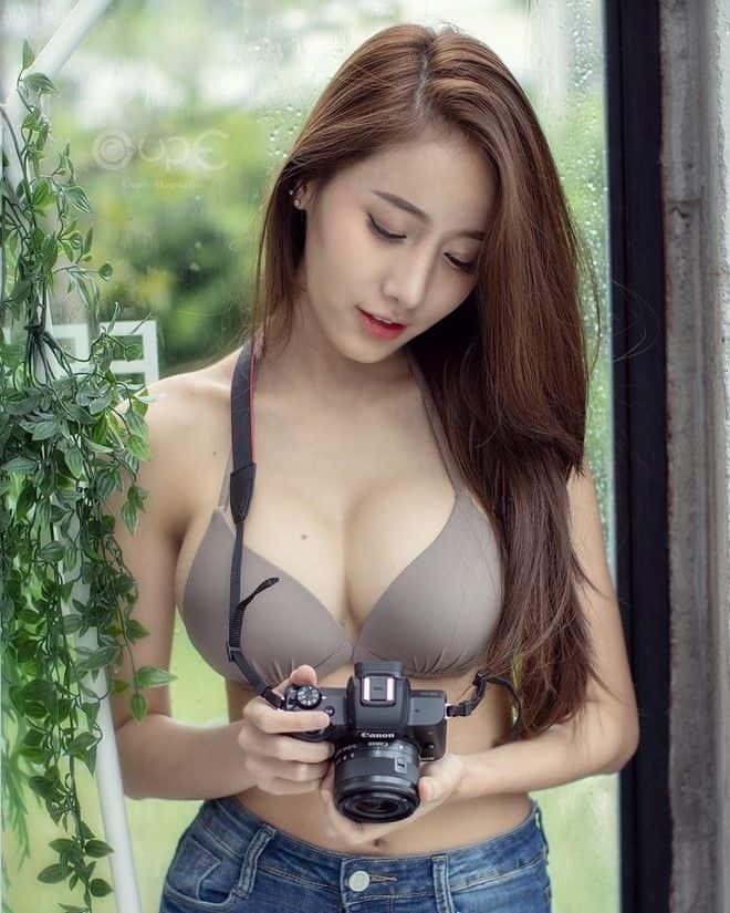 gái xinh thái lan Pichana Yoosuk máy ảnh